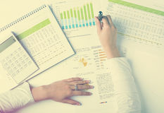 Het analyseren van BedrijfsGegevens Stock Foto's