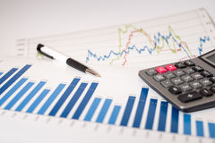 Het analyseren van financiële gegevens Stock Illustratie