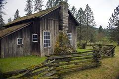 Het antieke huis van de landschool stock fotografie