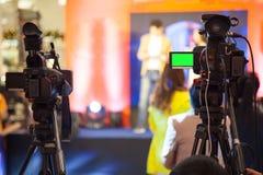 Het apparaat van de filmopname om gebeurtenis voor uitzending te registreren stock fotografie