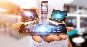Het apparaat van technologie van de zakenmanholding in zijn hand Royalty-vrije Stock Foto