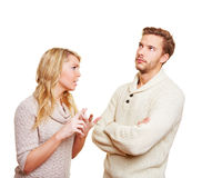 Het argueing van het paar in over een probleem Stock Afbeeldingen