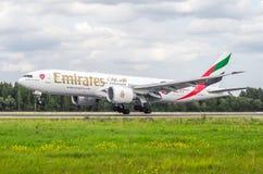 Het Arsenaal van de Emiraten van Boeing 777-200 Rusland Heilige-Petersburg 10 augustus, 2017 Royalty-vrije Stock Afbeeldingen