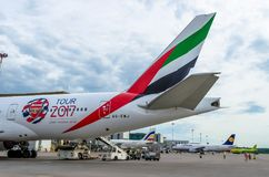 Het Arsenaal van de Emiraten van Boeing 777-200 Rusland Heilige-Petersburg 10 augustus, 2017 Royalty-vrije Stock Foto