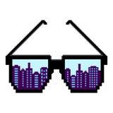 Het art Pixelzonnebril Vlakke ontwerpstijl Modern vlak pictogram in modieuze kleuren Bezinning van een grote stad New York 2 royalty-vrije illustratie