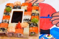 Het art. van waterfud Japanse sushi op een witte plaat Stock Fotografie