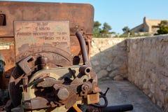 Het artelliriyskoy kanon van de controleeenheid met de informatieera van Wereldoorlog II Spanje, Alicante, Santa Barbara-kasteel Royalty-vrije Stock Foto