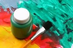 Het artistieke uitdrukking-green van jonge geitjes Stock Foto's