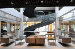 Het atrium van de hotelhal stock afbeeldingen