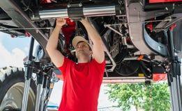 Het auto mechanische werken Royalty-vrije Stock Afbeelding