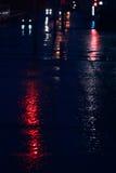 Het autolicht wordt weerspiegeld Royalty-vrije Stock Afbeeldingen