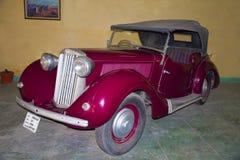 Het AUTOmuseum van de WERELD UITSTEKENDE AUTO, AHMEDABAD, GUJARAT, INDIA, 13 Januari 2018 Het model van zonnestraaltalbot 1946 Royalty-vrije Stock Afbeeldingen