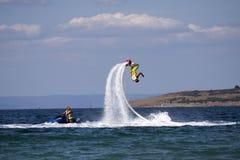 Het avontuur van de Flyboardzwarte zee Royalty-vrije Stock Foto's