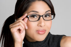 Het Aziatische Meisje van Glazen Royalty-vrije Stock Afbeeldingen