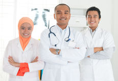 Het Aziatische portret van het medische artsenteam Stock Foto