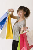Het Aziatische vrouw winkelen Royalty-vrije Stock Afbeeldingen