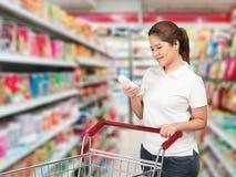Het Aziatische vrouw winkelen stock afbeelding