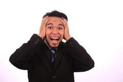 Het Aziatische zakenman gillen, geïsoleerd op wit Royalty-vrije Stock Foto's