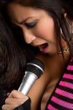 Het Aziatische Zingen van de Vrouw Stock Fotografie