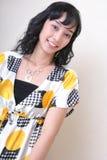 Het Aziatische zoete meisje glimlachen Stock Foto