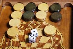 Het backgammon dobbelt royalty-vrije stock foto's