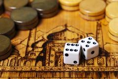 Het backgammon dobbelt stock foto