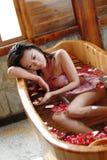 Het bad van het bloemblaadje royalty-vrije stock afbeeldingen