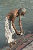 Het baden in Haridwar Stock Afbeeldingen