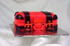 Het bagage gestalte gegeven rood en de zwarte van de fondantjecake Royalty-vrije Stock Foto