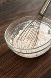 Het bakken en het mengen zich Royalty-vrije Stock Fotografie