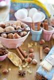 Het baksel en de ingrediënten van Kerstmis Royalty-vrije Stock Afbeeldingen