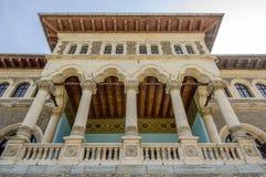 Het balkon van het Cantacuzinopaleis met beautioful details Stock Foto