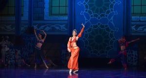 """Het ballet """"One Duizend Één Nights† van de buikdanser Royalty-vrije Stock Fotografie"""