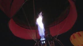 Het ballooning begin van de hete luchtballon stock videobeelden