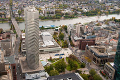 Het bankwezendistrict van Frankfurt en Hoofdrivier Royalty-vrije Stock Foto