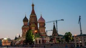 Het Basilicumkathedraal van heilige op Rood vierkant in Moskou stock footage