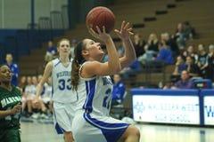 Het Basketbal van de Middelbare school van Varsity Stock Foto's