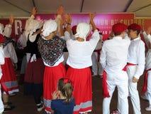 Het Baskische Mannen en Vrouwen Slaan Stock Fotografie