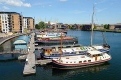 Het Bassin Docklands Londen Engeland het UK van Blackwall Stock Fotografie