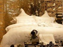 Het bed van de luxe Stock Foto's