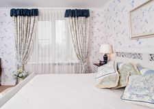 Het bed van de luxe, close-up Royalty-vrije Stock Fotografie