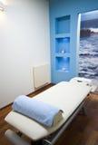 Het bed van de massage royalty-vrije stock foto
