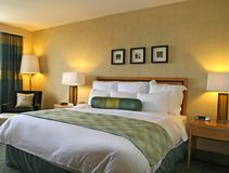 Het Bed van het hotel Stock Foto's
