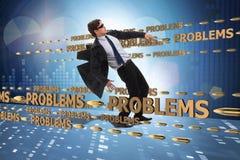 Het bedrijfsprobleem en uitdagingsconcept met zakenman stock fotografie