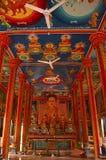 Het beeld en de Muurschilderingen van Boedha in Wat Preah Prom Rath, Siem oogsten royalty-vrije stock afbeeldingen