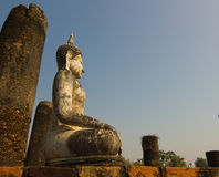 Het beeld van Boedha in het Historische Park van Sukhothai, Thailand Stock Fotografie