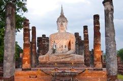 Het beeld van Boedha in historisch park Sukhothai Stock Foto's