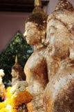 Het beeld van Boedha met vlamgoud Royalty-vrije Stock Fotografie