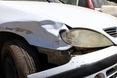 Het beeld van de autoneerstorting met schade royalty-vrije stock afbeelding