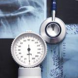 Het beeld van de close-up van een stethoscoop en röntgenstralen Royalty-vrije Stock Fotografie
